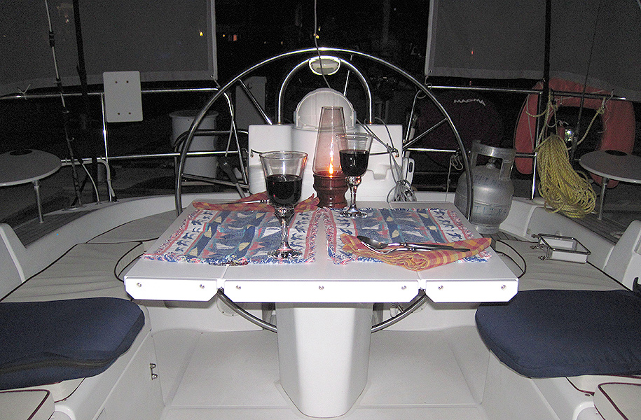 cockpit-table